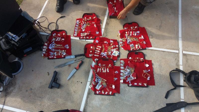 Bandidos são presos com joias na zona sul de Teresina