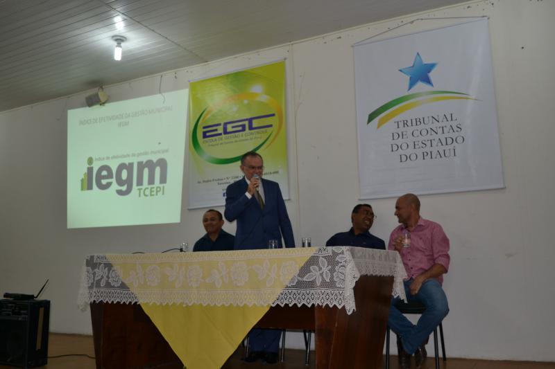 TCE-PI realiza treinamento sobre o IEGM para gestores de Floriano e região