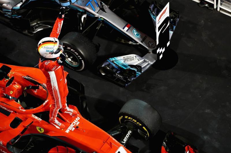 Vettel é o vencedor da prova de hoje da fórmula 1 e aumenta sua vantagem na corrida pelo título