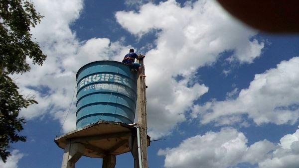 Prefeitura de Colônia do Gurgueia faz limpeza e tratamento nas caixas d'águas na zona urbana e rural