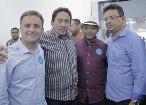 Walter Alencar participa da reunião de prefeitos da Ampar