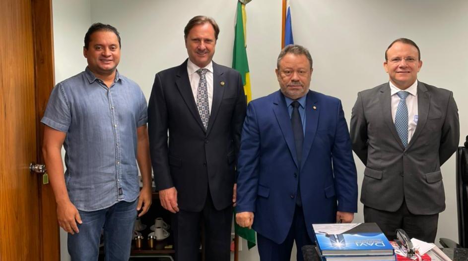 Senador Weverton Rocha(PDT-MA), Senador Acir Gurgacz(PDT-RO), Engenheiro Chico Leitoa e o Diretor da ANTT Arnaldo Silva Junior