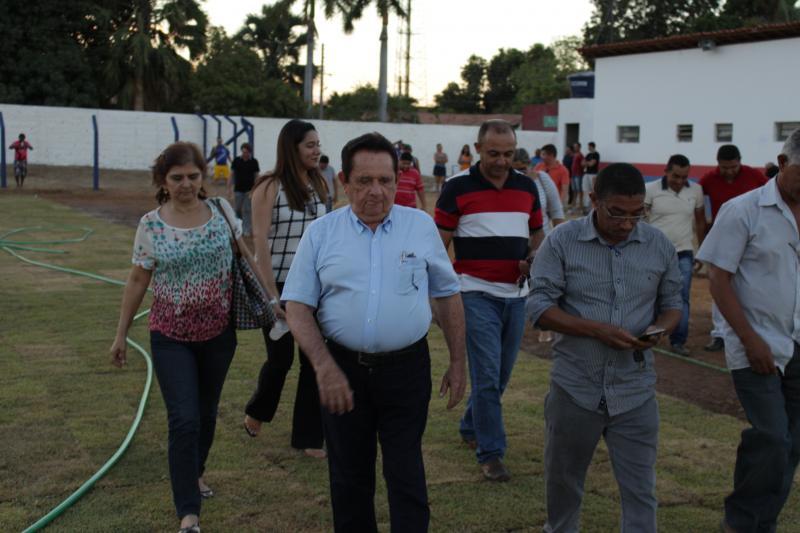 Prefeito Dr.Wagner Coelho leva atletas Para ver de perto reforma do Marrecão