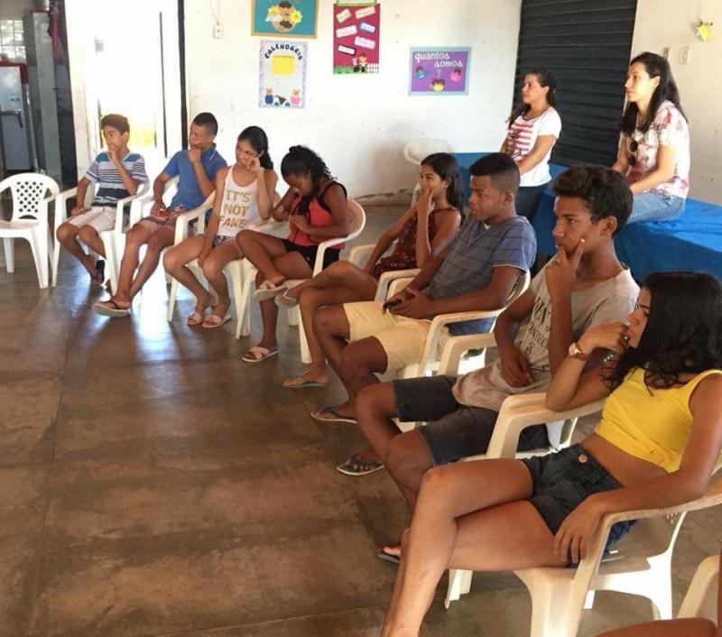 Fisioterapeutas realizam encontro com adolescentes em Francisco Ayres