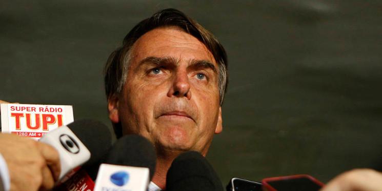 Bolsonaro diz que se for eleito fará mudanças no Bolsa Família