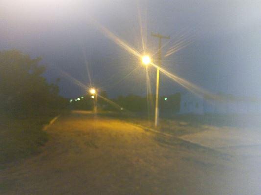 Prefeita Doquinha coloca lâmpada em todos os postes de luz da Comunidade Aliança do Gurgueia