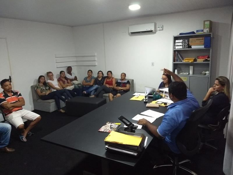 Prefeito de Cristino Castro realizou reunião com os funcionários do Hospital