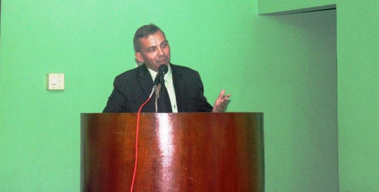 Ex-vereador Valfran entrega Departamento de Esportes em São João do Arraial