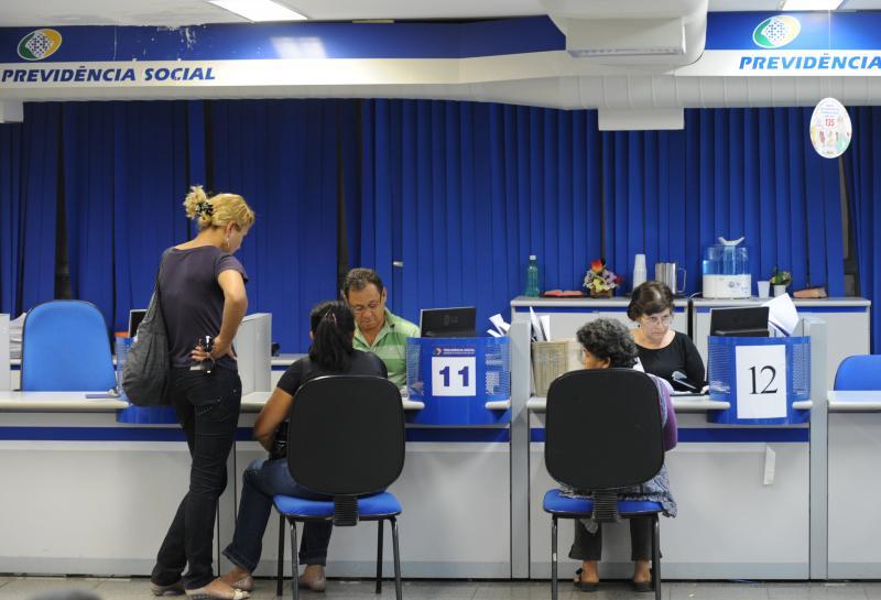 INSS convoca 152 mil beneficiários para perícia; veja lista