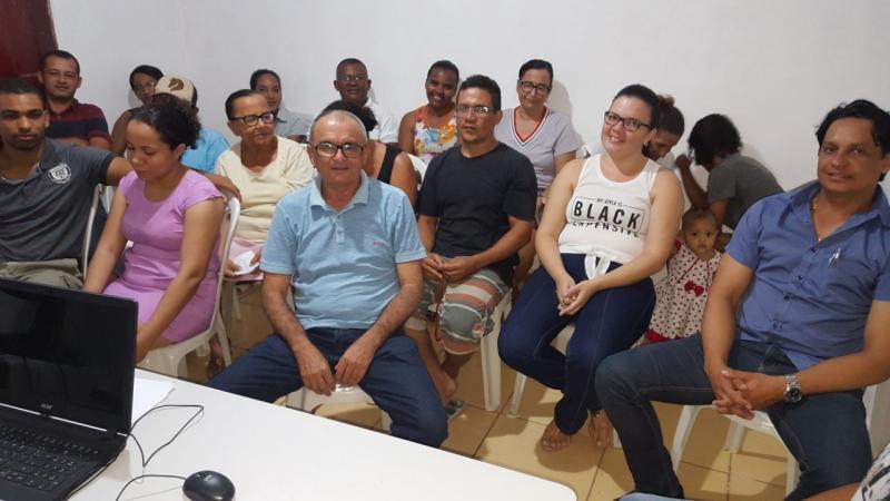 Prefeito Nonato de Abílio recebe pais de alunos que reivindicaram mais um transporte para os alunos