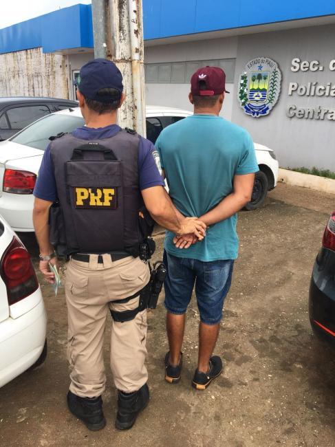 Motorista é preso na BR-316 ao apresentar CNH falsa à polícia