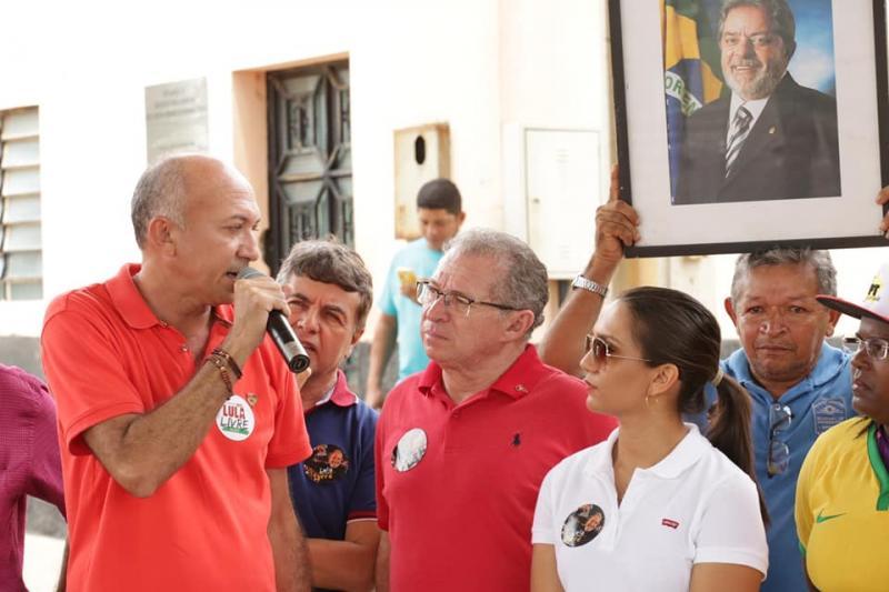 Warton Lacerda participa da caravana 'Lula Livre'