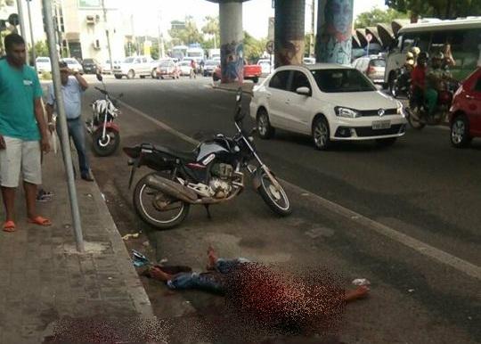 Vítima reage a assalto e mata bandido a facadas em Teresina