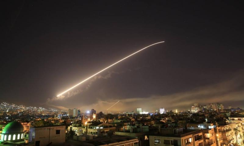 EUA ataca a Síria, apoiado por Reino Unido e França