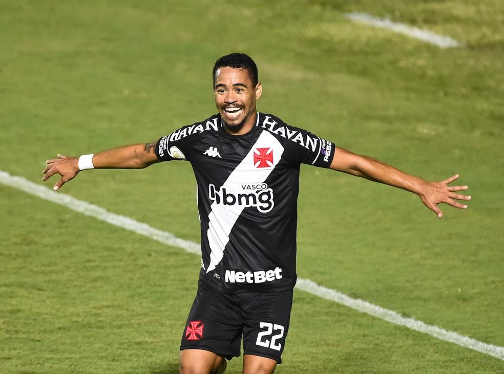 Pikachu disputou 253 jogos e marcou 40 gols com a camisa do Vasco — Foto: André Durão