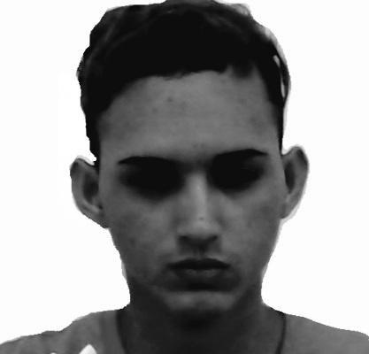 Manoel Vitor dos Santos Reduzino, 21 anos, Vulgo 'Madruga' quando preso no ano de 2018 se autodenominou pertencer ao CV.
