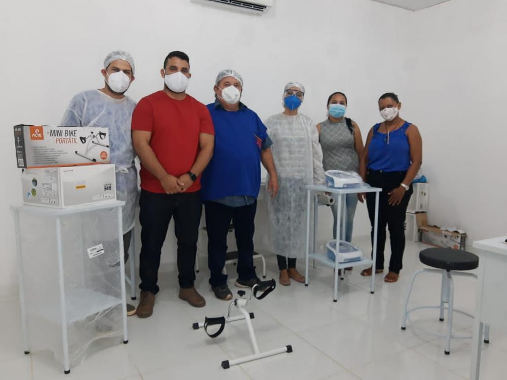 Prefeitura de Pau D'arco do PI entrega equipamentos de fisioterapia em UBSs