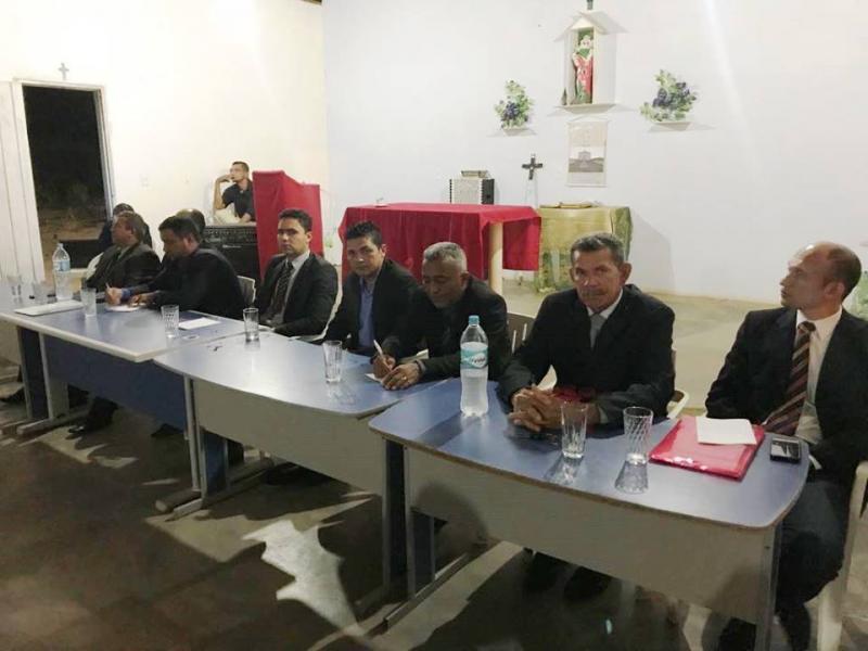 Câmara de Vereadores de Avelino Lopes se reúne no interior do município