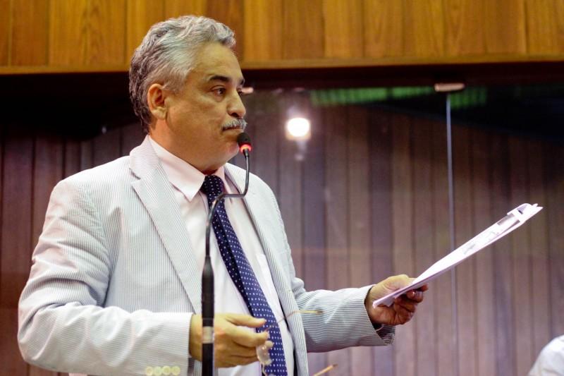 Robert Rios denuncia excesso de gastos do governo com viagens aéreas
