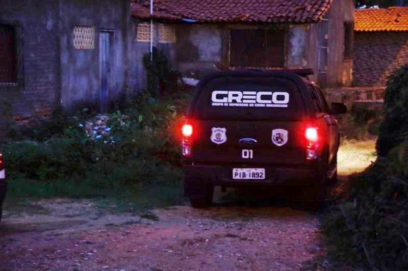Polícia realiza operação contra furto de energia em condomínio