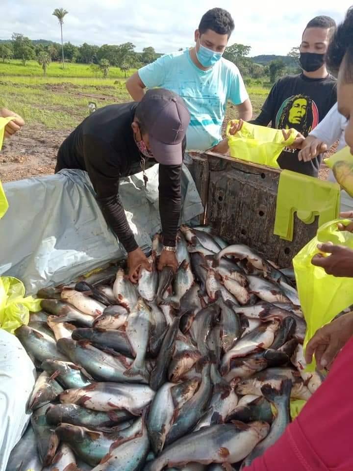 Prefeitura de Curralinhos realiza a entrega do Peixe da Semana Santa