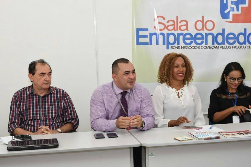 Solenidade marca parceria entre a Prefeitura de Floriano, o BNB e SEBRAE no apoio ao MEI