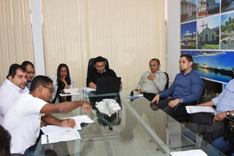 Executivo e legislativo se reúnem com Vigias e Sutran para sugestões ao Plano de Cargos e Salários