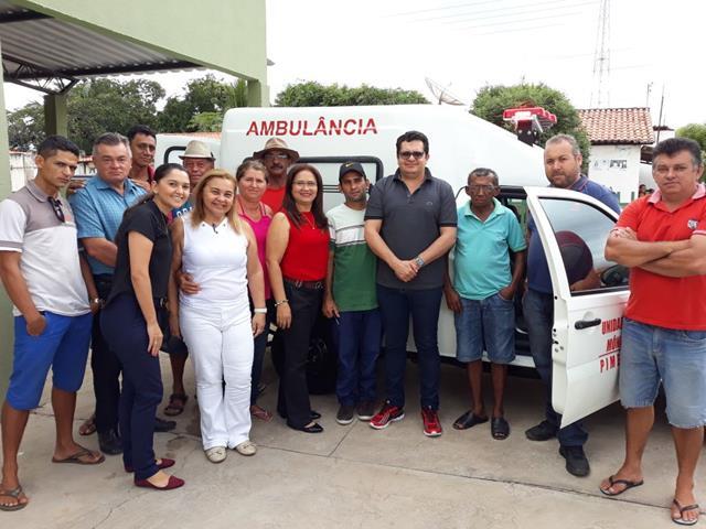 Prefeitura de Pimenteiras entrega ambulância adquirida com recursos próprios