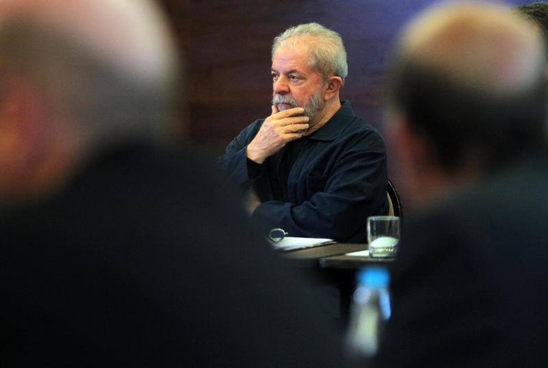 Lula diz que seu maior sofrimento é estar isolado