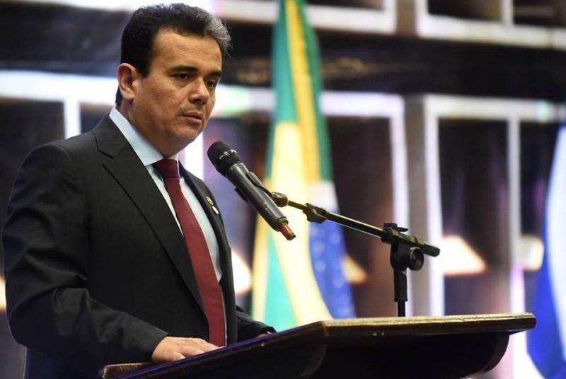 Piauiense Henrique Pires assume cargo de conselheiro da república