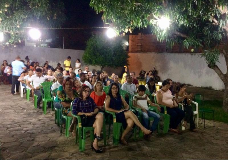 População de valença se faz presente em missa realizada na residência da prefeita Ceiça Dias