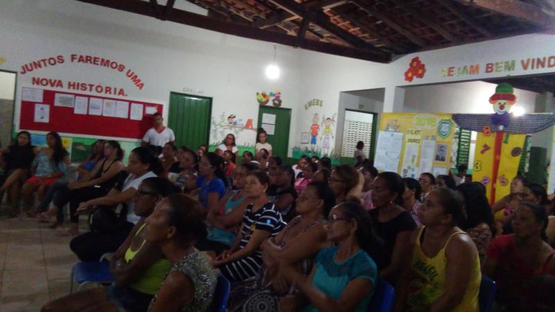 UEHB realiza palestra com pais e alunos