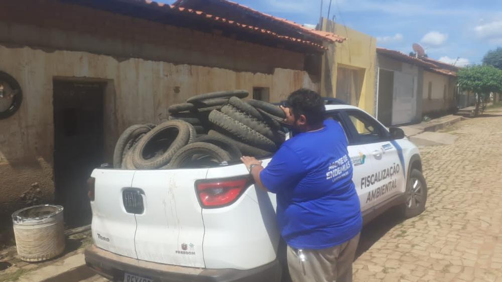 Agentes de endemias de Landri Sales realizam coleta de pneus no Município