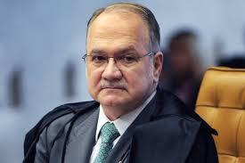 Ministro arquiva investigação contra deputados do PP