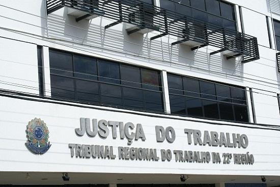 TRT-PI mantém condenação e pagamento de multa à empresa Limpel