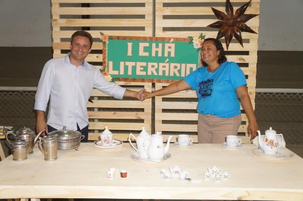 Escola Estadual Landri Sales realiza 1º Chá Literário com várias dramatizações