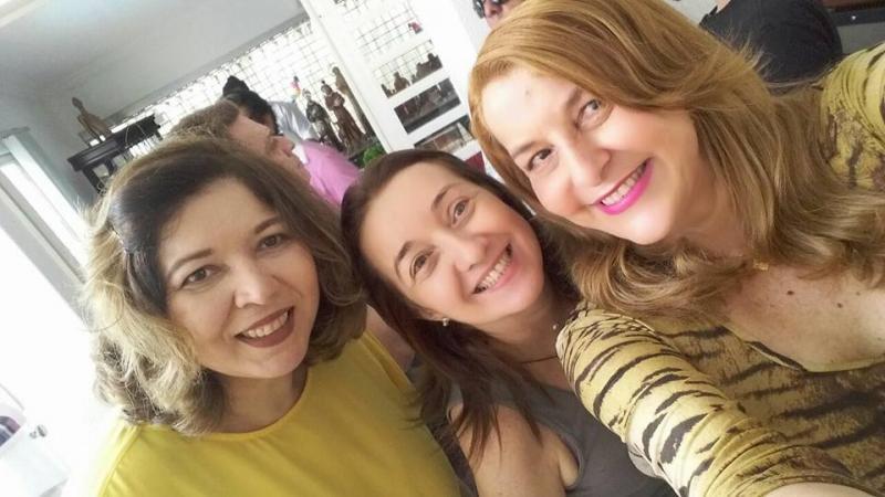 Graça Batista celebra aniversário com amigos