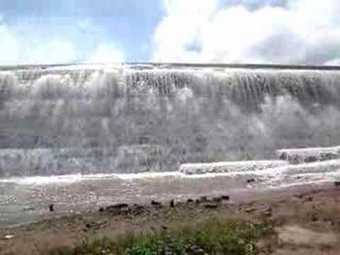 Corpo de homem é encontrado nos degraus da Barragem Mesa de Pedra, em Valença do Piauí.