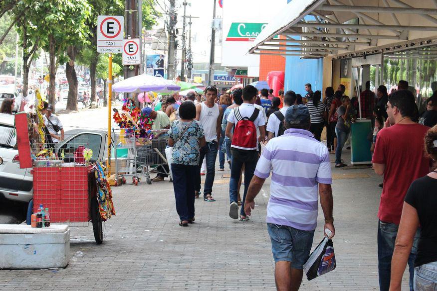 Decreto libera funcionamento de atividades comerciais aos domingos no Piauí
