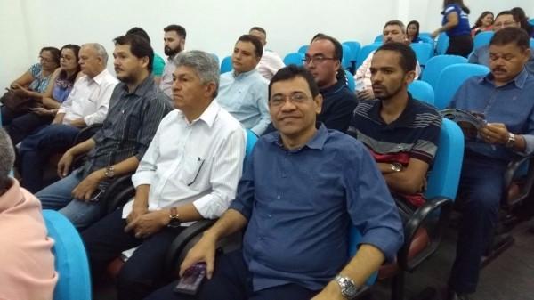 Prefeito de Landri Sales participa do lançamento de um novo programa de saneamento no Piauí