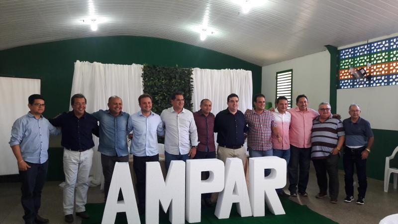 Prefeito Walter Alencar participa de reunião da AMPAR realizada em Água Branca