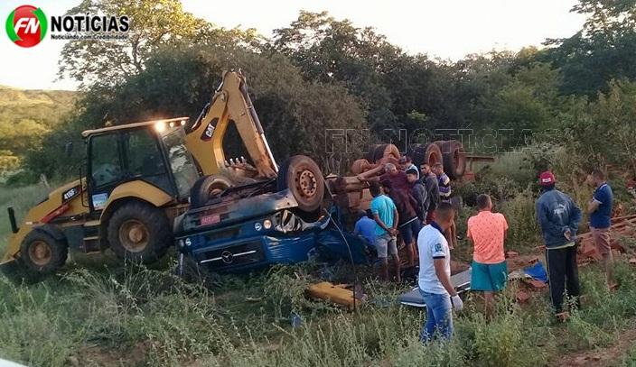 Acidente envolvendo caminhão deixa dois mortos no Piauí