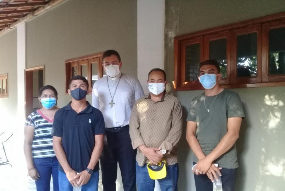 Diocese de Campo Maior doa cestas básicas para Pau D'arco do PI