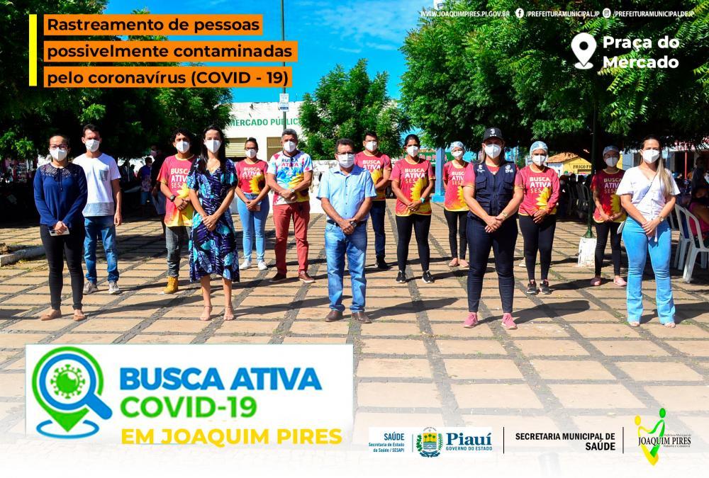 Prefeito Genival Bezerra (PT) recebendo as equipes de saúde.