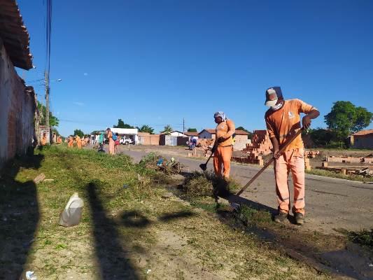 Mutirão de limpeza beneficia comunidades do Centro Operário de Timon