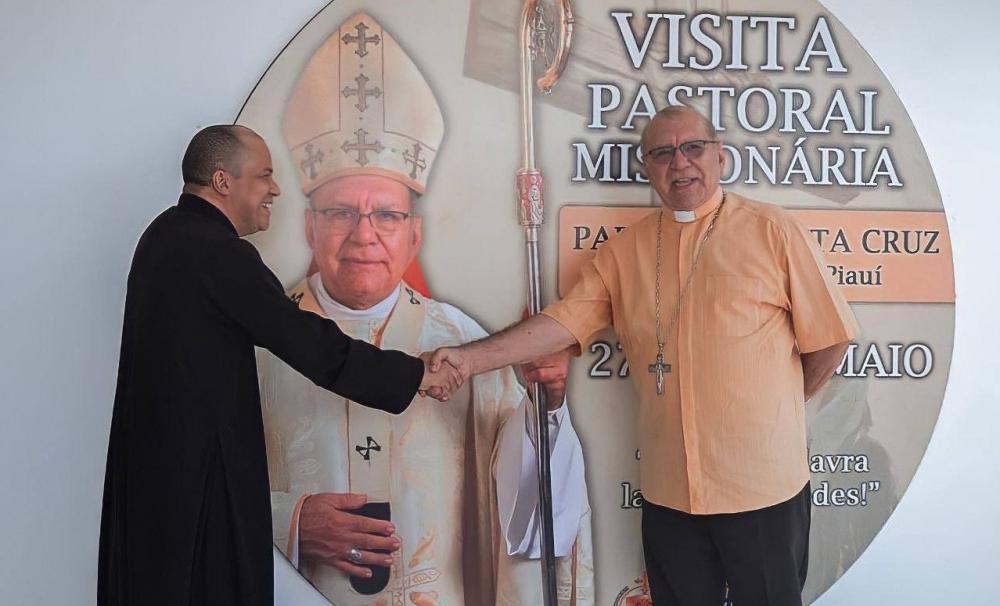 Padre Airton de Maria e Arcebispo Dom Jacinto Brito