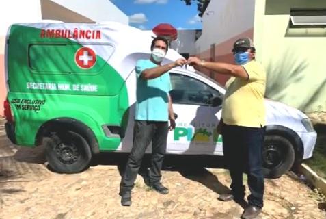 Prefeito Silas faz entrega ambulância para ampliar atendimento em Pio IX