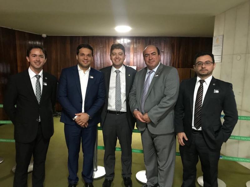 Projeto de lei torna obrigatória a participação do advogado na conciliação e mediação