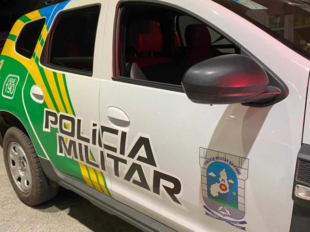 Capitã da PM tem carro roubado na zona norte de Teresina