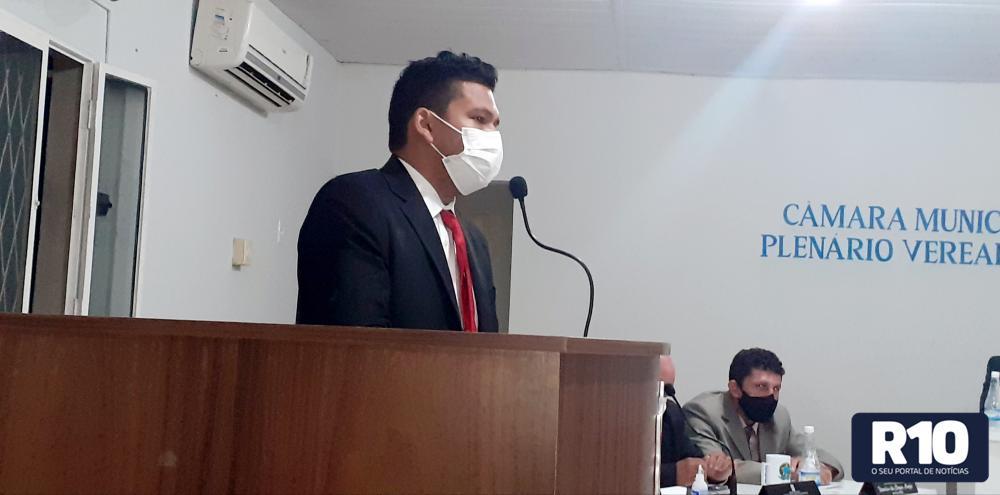 Vereador Wilson Carvalho vota contra alteracão na lei orgânica do Município